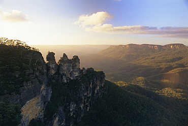 The Three Sisters from Echo Point, Katoomba, the Blue Mountains, west of Sydney, New South Wales, Australia