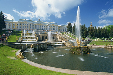 Fountains in front of the Summer Palace at Petrodvorets in St. Petersburg, Russia, Europe