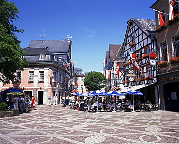 Cafes in the centre of town, Ahrweiler Town, Ahr Valley, Rhineland Palatinate, Germany, Europe
