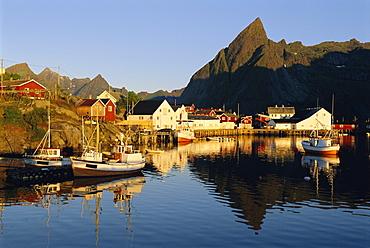 Fishing village of Hamnoy, Moskenesoya, Lofoten Islands, Norway, Scandinavia, Europe