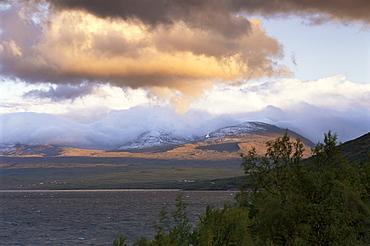 Scenery including Lake Tornetrask, Abisko National Park, Lappland, Sweden, Scandinavia, Europe