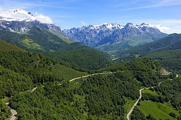 Picos de Europa and Valdeon valley from Puerto de Panderrruedas, Leon, Spain, Europe