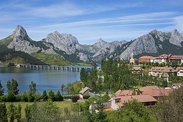 Riano and reservoir, Picos de Europa, Leon, Spain, Europe