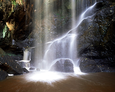 Roughting Lynn waterfall, near Wooler, Northumberland (Northumbria), England, United Kingdom, Europe
