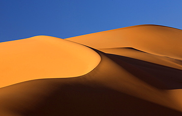 Orange sand dunes and sand ripples, Erg Chebbi sand sea, Sahara Desert near Merzouga, Morocco, North Africa, Africa