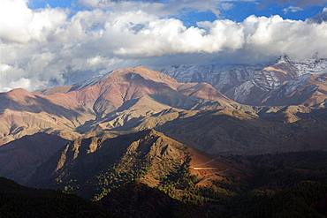 The High Atlas Mountains with a dusting of winter snow on the higher peaks, Tiz n Tichka Pass, Morocco, North Africa, Africa