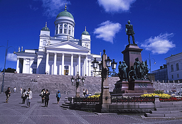 Statue of Tsar Alexander II in front of Lutheran Cathedral,Senate Square, Helsinki, Finland. *** Local Caption ***
