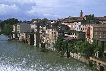 General view, Albi, Midi-Pyrenies, France *** Local Caption ***