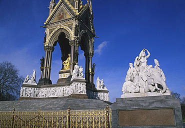 Albert Memorial, Kensington Gardens, London, England *** Local Caption ***