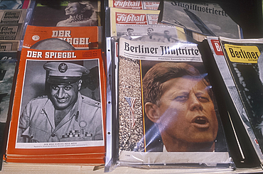 Old magazines at the flea market, Berlin, Germany *** Local Caption ***