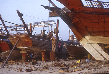 Dhow building and repair yard, Manama, Bahrain *** Local Caption ***
