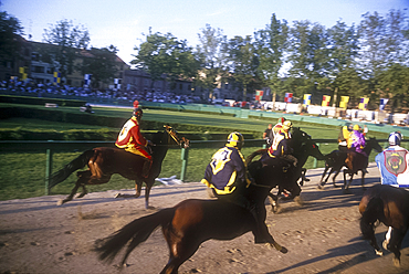 Horse race at the Palio, Ferrara, Emilia-Romagna, Italy *** Local Caption ***