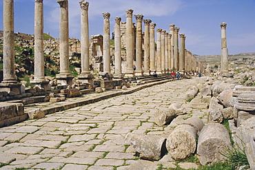 Colonnaded street, Roman ruins, Jerash, Jordan, Middle East