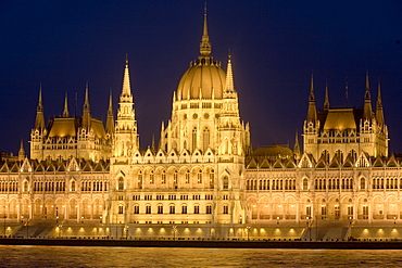 Main part of Hungarian Parliament on warm summer night, Budapest, Hungary, Europe