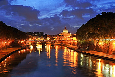 View across Tiber River towards St. Peter's Basilica, Rome, Lazio, Italy, Europe
