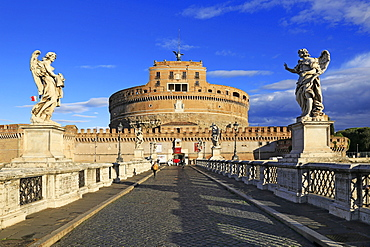 Castel Sant'Angelo Castle with Ponte Sant'Angelo Bridge, UNESCO World Heritage Site, Rome, Lazio, Italy, Europe