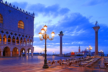 Doge's Palace and Piazzetta against San Giorgio Maggiore in the early morning light, Venice, UNESCO World Heritage Site, Veneto, Italy, Europe