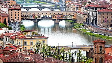 Ponte Vecchio Bridge across Arno River, Florence, UNESCO World Heritage Site, Tuscany, Italy, Europe