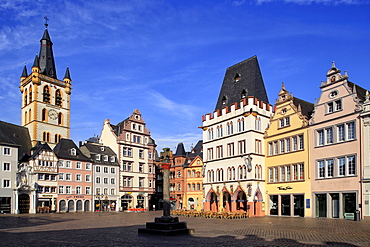 Hauptmarkt, Main Market Square, with St. Gangolf Church and Steipe Building, Trier, Moselle River, Rhineland-Palatinate, Germany, Europe