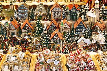Christmas Market on Residenzplatz Square, Salzburg, Austria, Europe