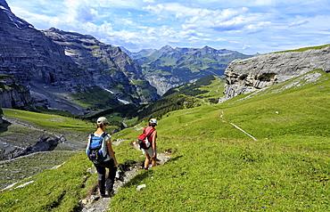 Hikers at Kleine Scheidegg, Grindelwald, Bernese Oberland, Switzerland, Europe