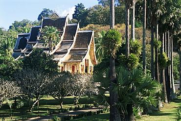 Wat Mai Suwannaphumaham and trees, Luang Prabang, UNESCO World Heritage Site, Laos, Indochina, Southeast Asia, Asia