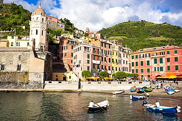 Vernazza, Cinque Terre, UNESCO World Heritage Site, Liguria, Italy, Europe