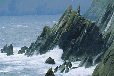 Coastline at Slea Head, Dingle Peninsula, County Kerry, Munster, Republic of Ireland (Eire), Europe