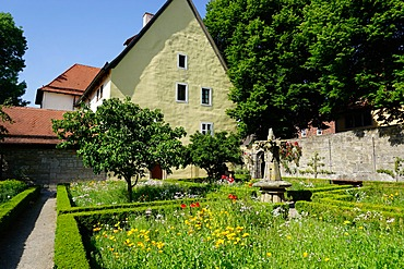 The cloister garden, Rothenburg ob der Tauber, Romantic Road, Franconia, Bavaria, Germany, Europe