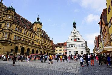 The market square in Rothenburg ob der Tauber, UNESCO Romantic Road, Franconia, Bavaria, Germany, Europe