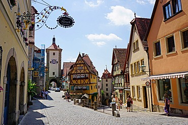 View from Plonlein towards Siebers Tower on left and the Kobokzell gate on right, Rothenburg ob der Tauber, Romantic Road, Franconia, Bavaria, Germany, Europe