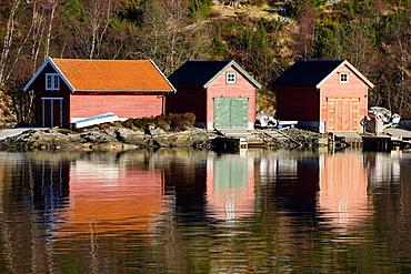 Fjord side cabins near Bergen, Hordaland, Norway, Scandinavia, Europe