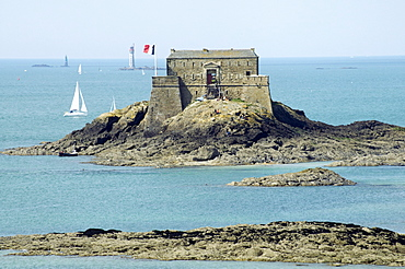 National fort built by Vauban in 1689, St. Malo, Brittany, France, Europe