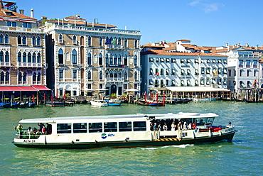 Vaporetto, Hotel Bauer, Hotel Monaco, palace facades and gondolas on the Grand Canal, Venice, UNESCO World Heritage Site, Veneto, Italy, Europe