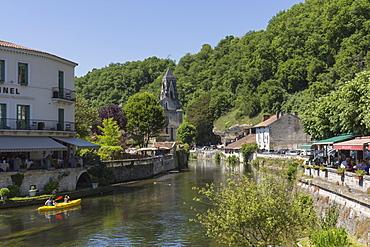 Canoe on River Dronne, Brantome, Dordogne, Aquitaine, France, Europe