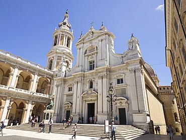 Basilica della Santa Casa, Piazza della Madonna, pilgrimage town of Loreto, Le Marche, Italy, Europe