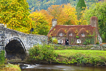 Llanrwst Bridge (Pont Fawr), Clwyd, Snowdonia, North Wales, United Kingdom, Europe