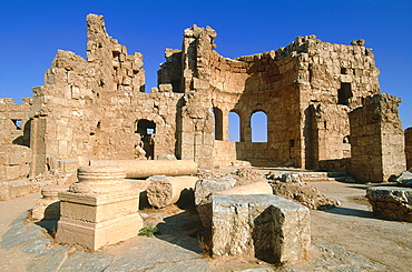 Syria, Syrian Steppe And Desert, Near The Village Of Almansoura The Ruins Of The Roman Fortress Of Resafa Built In 256 Ad, Collapsed Church Built In Vith Century