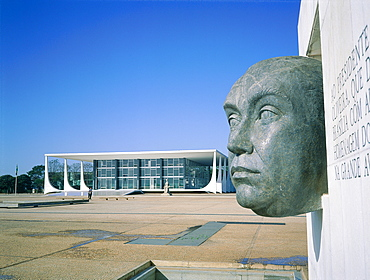 Brazil, Goias, Brasilia, The Administrative Capital Created Par President Kubitschek And Designed By Brasilian Town Planner Lucio Costa & Architect Oscar Niemeyer, Ministry Of Justice And Monument Dedicated To President Kubitchek At Fore
