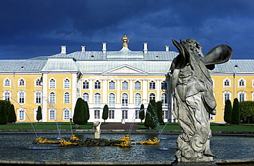 Russia, Saint Petersburg, Peterhof (Petrovorets) Castle Facade On Front Park, Statue At Fore