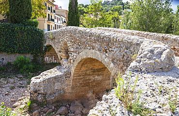 Old Roman double arch stone bridge, Pollenca, Mallorca (Majorca), Balearic Islands, Spain, Europe