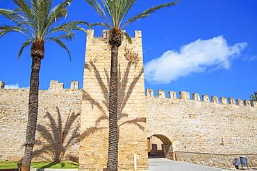 The medieval walls of Alcudia, Alcudia, Mallorca (Majorca), Balearic Islands, Spain, Europe