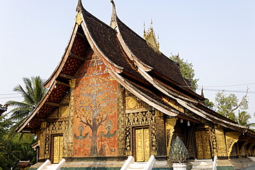 Wat Xieng Thong, founded by King Setthathirath, UNESCO World Heritage Site, Luang Prabang, Laos, Indochina, Southeast Asia, Asia