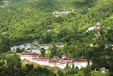 Trongsa Dzong (Chokhor Raptentse), dating from 1648, above Mangde Chu river gorge, Bhutan Asia