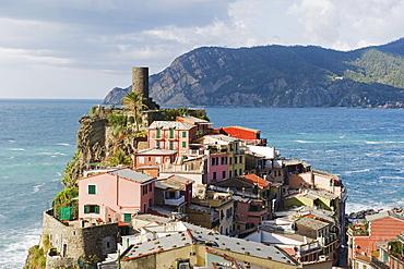 Clifftop village of Vernazza, Cinque Terre, UNESCO World Heritage Site, Liguria, Italy, Europe - 733-3999