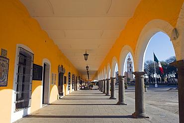 Portal Guerrero, Zocalo arches, Cholula, Puebla state, Mexico North America