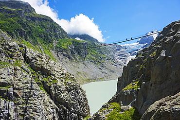 Triftbruke (Trift Bridge), Canton of Bern, Switzerland, Europe