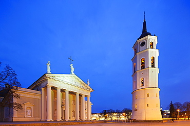 St. Stanislaus Cathedral and Varpine bell tower in Cathedral Square, UNESCO World Heritage Site, Vilnius, Lithuania, Europe
