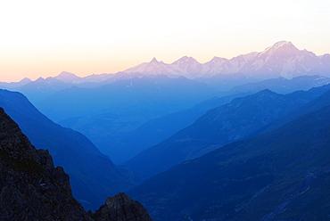 Mont Blanc, 4810m, at sunset, Haute Savoie, Rhone Alpes, France, Europe