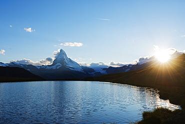 The Matterhorn, 4478m, Stellisee lake at sunset, Zermatt, Valais, Swiss Alps, Switzerland, Europe